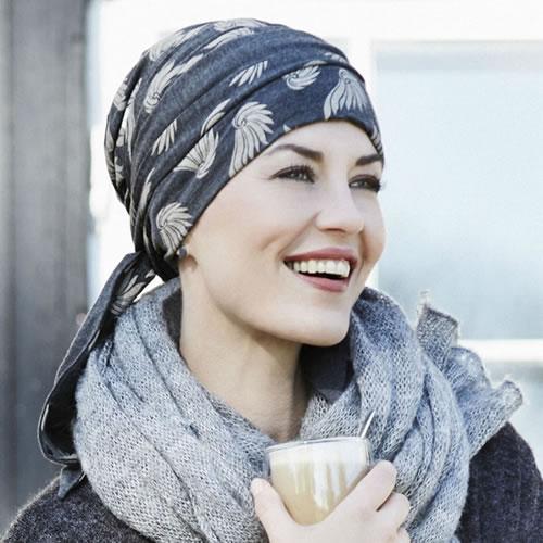 Pañuelo oncológico modelo Mantra estampado